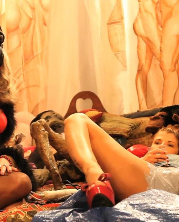 20110806_joslyns_vagina_mold.00_05_31_10.Still001