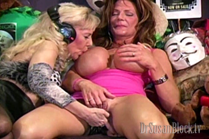 Mature busty deauxma squirts right out of her hot wet pussy